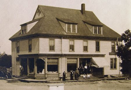 Photo: Historic photo of the Sawyer Building in Sawyer Square